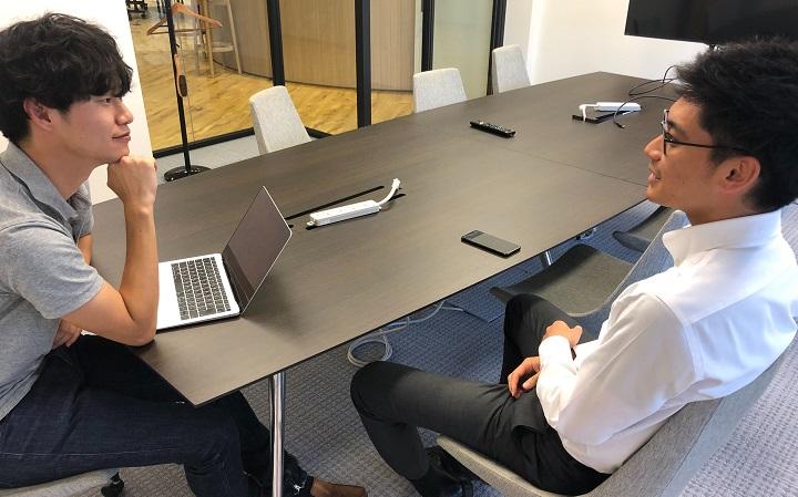 写真:RELATIONSのコラム「評価面談=ストレス」という状態からの脱却。従業員のパフォーマンスが上がる「フィードバック」の実践法