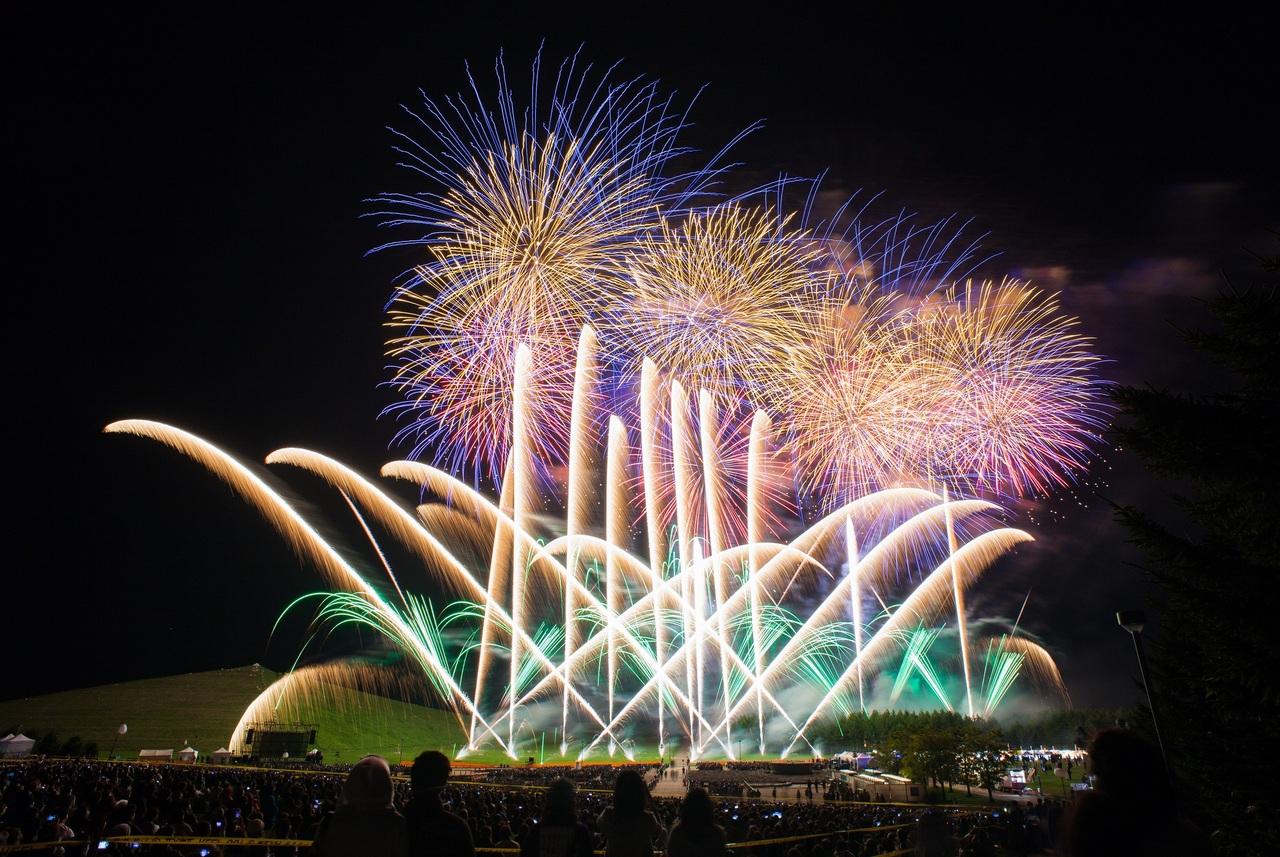 モエレ沼芸術花火2016&日本一楽しいゴミ拾い 東区 (9/10〜11) 札幌