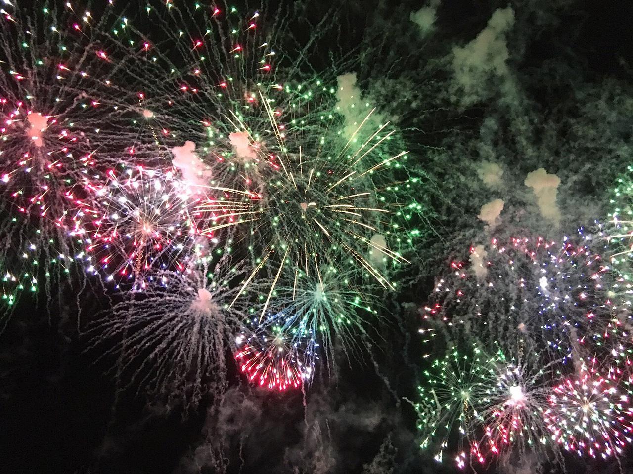 札幌の夜を彩る新たな風物詩 モエレ沼芸術花火。 札幌