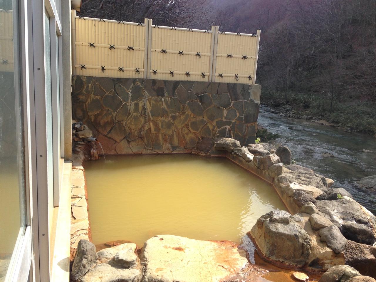 北海道の大自然に囲まれた 明治から伝わる源泉掛け流しの湯治場 札幌