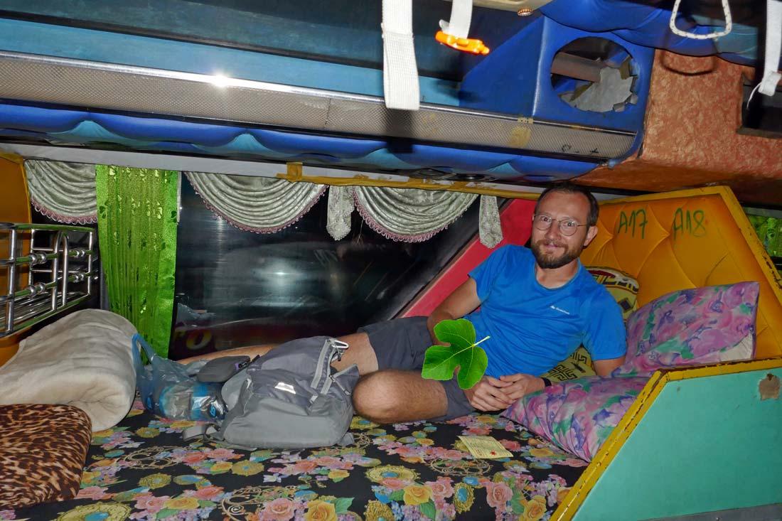 Yataklı otobüs