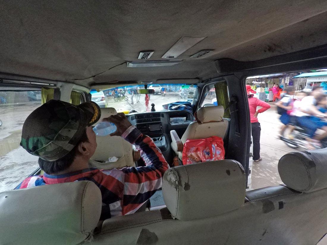 Kamboçya otobüs