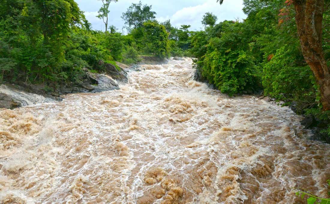 4000 Adalar nehir