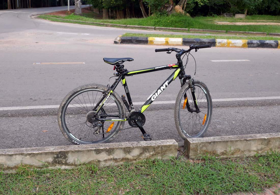 Angkow wat bisiklet