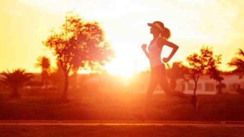 高齢者の疾患と関係の強い大腿筋膜張筋のストレッチとトレーニングをご紹介!