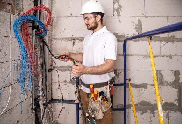 【電力系電工からの直受注有、電気工事士複数在籍】都内電気工事業者