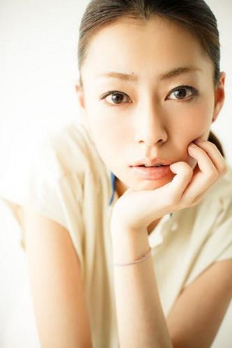 ココリコ田中さんの嫁小日向しえさんプロフィール