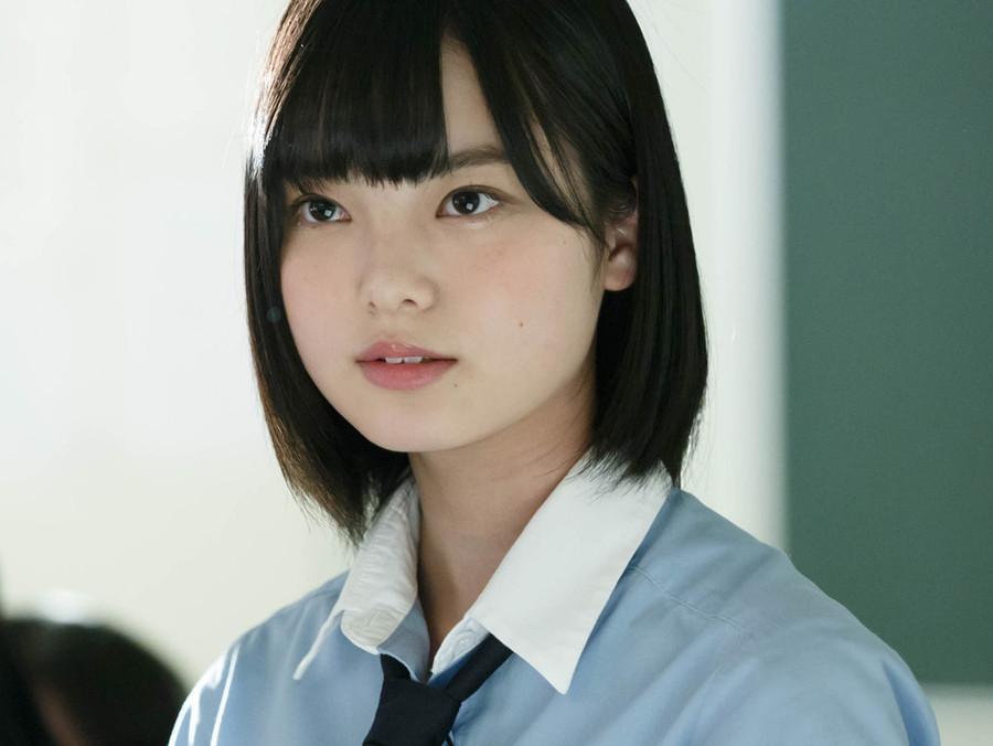 前髪ぱっつんの平手友梨奈