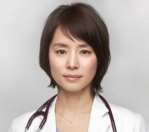 医師の石田ゆり子