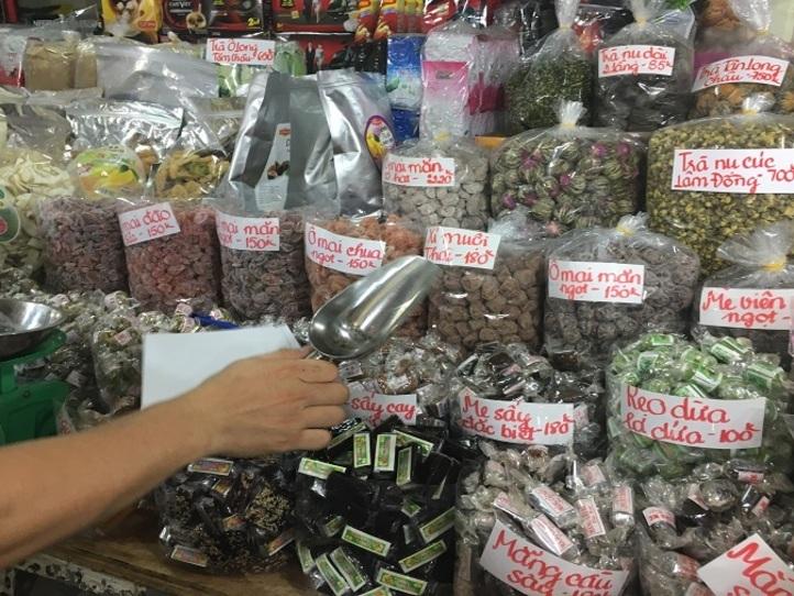 お土産のナッツを買うならここで!~タンディン市場「A MOUI」~