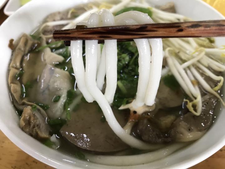 ベトナム人の愛する麺バインカン!
