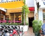 テンプル・クラブ ファニーの隣が当レストラン。入口は狭いので若干分かりにくいです