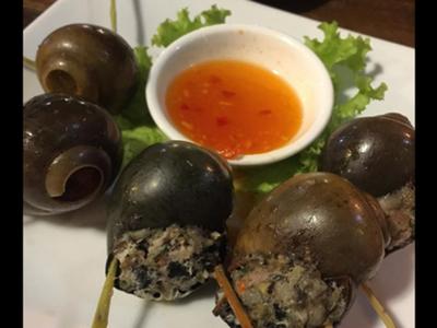 ファイブオイスターズレストラン 巻貝の肉詰め
