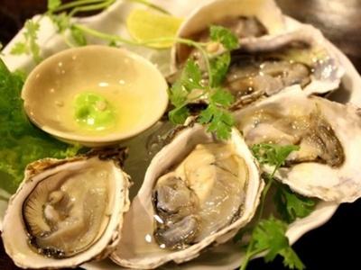 ファイブオイスターズレストラン 生牡蠣とライムわさび
