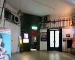 コンカフェ(リートゥーチョン通り店) 階段を上がった正面にコンカフェの入口があります