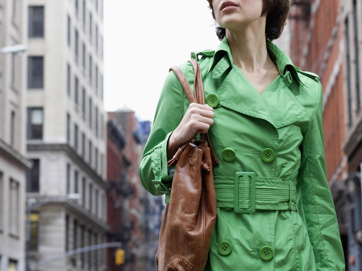 女性のバッグの大きさと荷物量でわかる性格