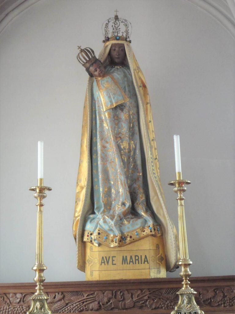 黒いマリア像