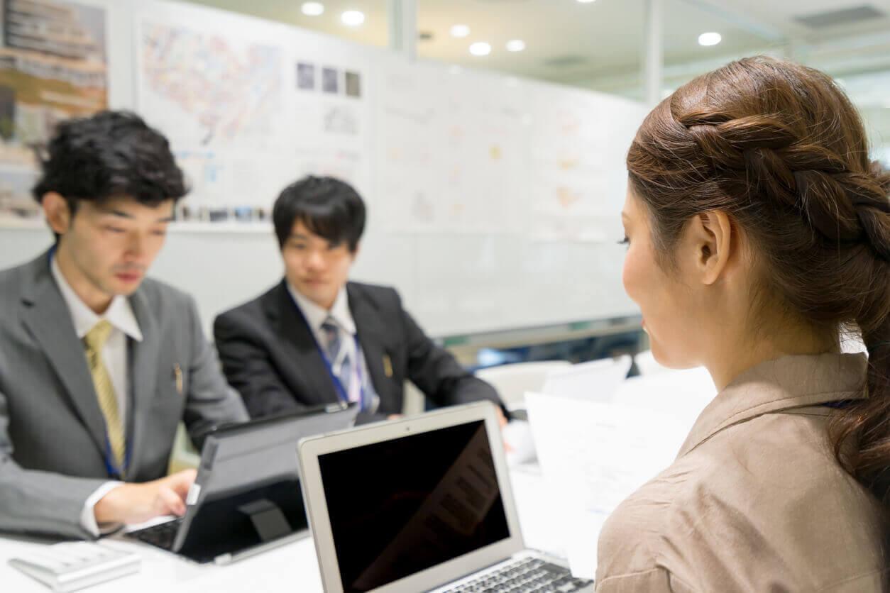 新入社員研修の目的と育成?マネジメント方法とは?