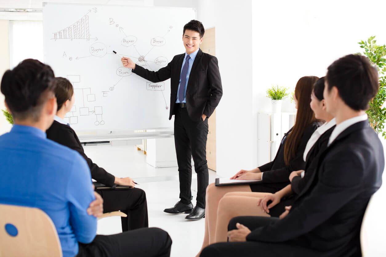 【內定者研修?新入社員向け】ビジネススキルの基礎を習得できるオススメのオンライン學習コンテンツとは?