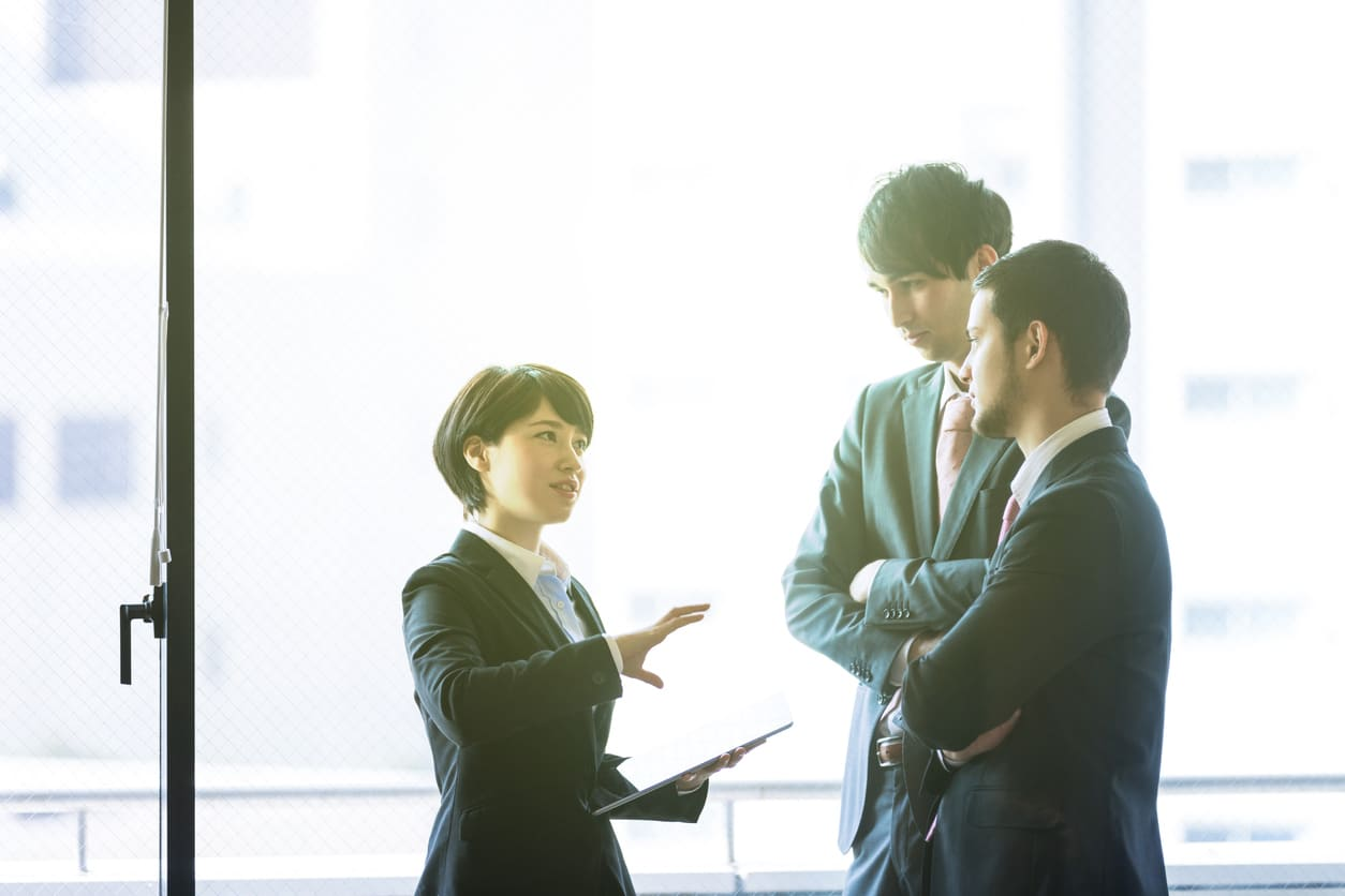 コミュニケーション研修の內容とは?効果的に行う4つのSTEPを紹介