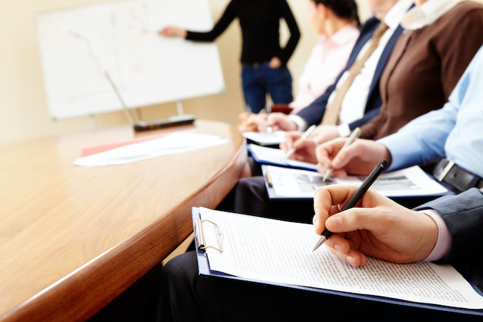 管理職研修のテーマ決めに必要な要素とテーマ別の研修をご紹介