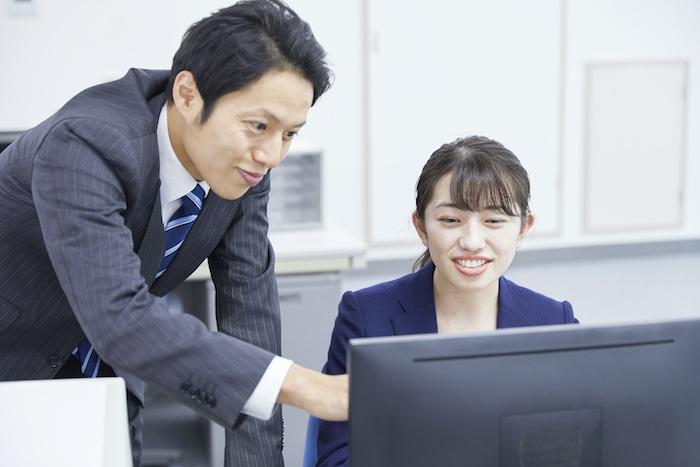 ナレッジマネジメントとは?定義から企業が行うメリットまで詳しく解説