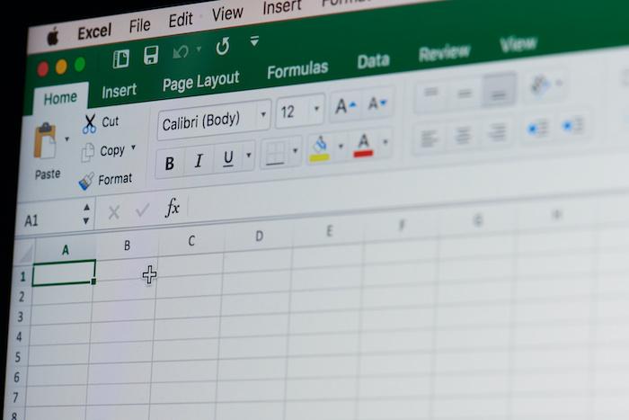 エクセルを使いこなすことでできるデータ分析をビジネスに活かすには