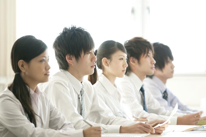 若手社員研修を実施する目的とは?早期戦力化のための育成のコツと効果的な研修の進め方
