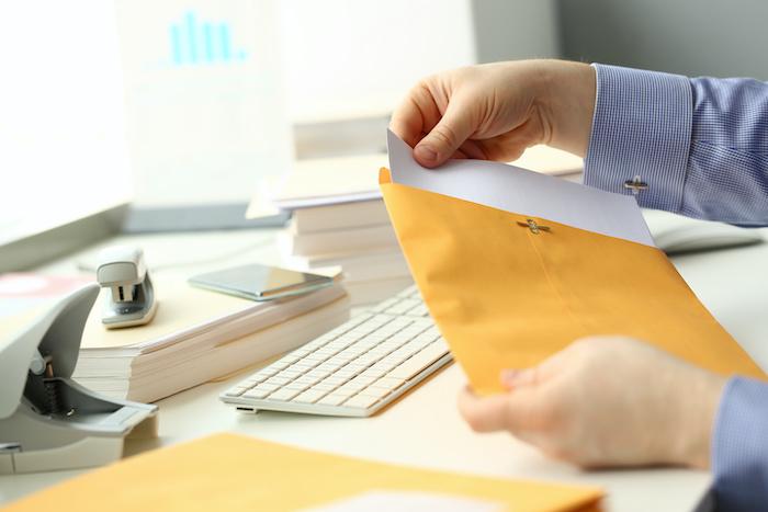 內容証明郵便の意味と屆いた場合の會社側での対応について解説する