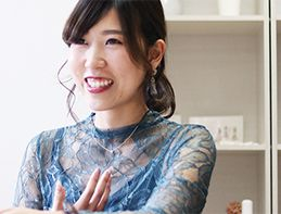 高校生のインスタから情報インプット?女性の心を捉えてはなさない、『SHE』福田恵里の仕事道具