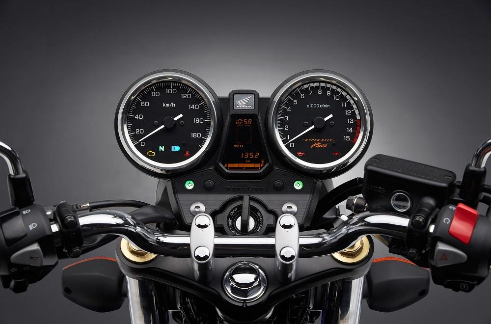ホンダ CB400SF メーター 2017