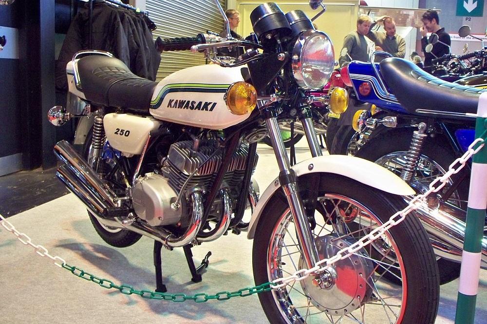 カワサキ 250 S1