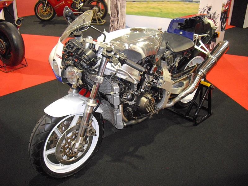 ホンダ VFR750R (RC30)