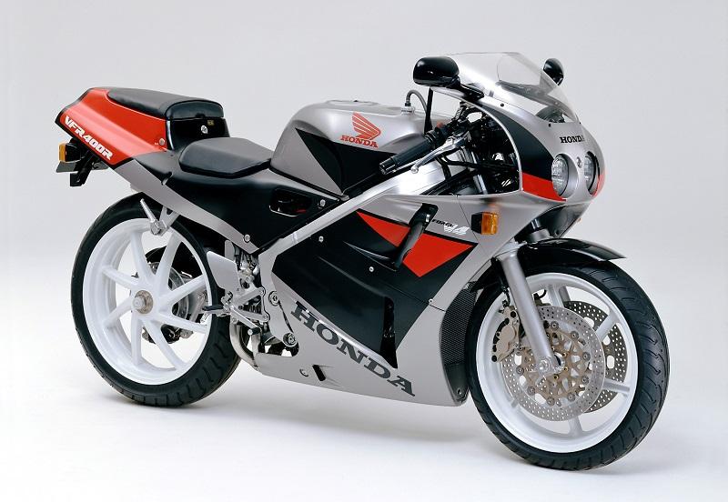 1990年 ホンダVFR400R