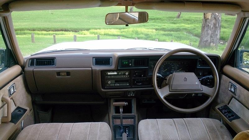 トヨタ6代目クラウンの内装