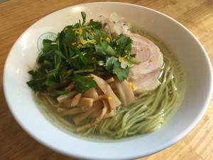 六感堂_グリーン麺