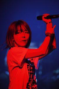 """【ライヴレポ】aikoがホールツアー""""LLP19""""最終日に見せた涙!「みんなにひっついて離れないからな!」"""
