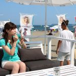 ビーチにソファ席!?三浦海岸のオシャレすぎる海の家『夏小屋』の仕掛け人にインタビューしました