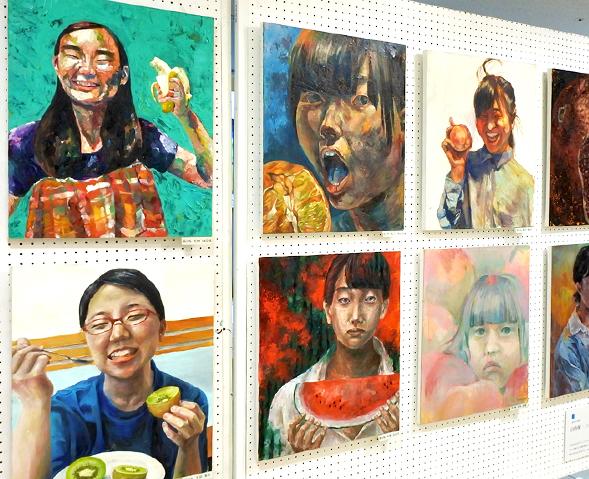 高3絵画コース 夏休み課題「自画像~フルーツとわたし~」