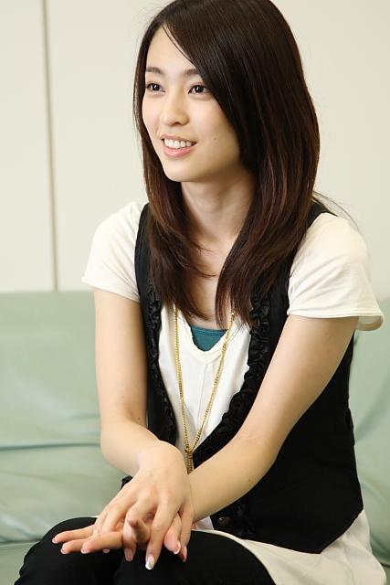 髪のアクセサリーが素敵な岡田佑里恵さん