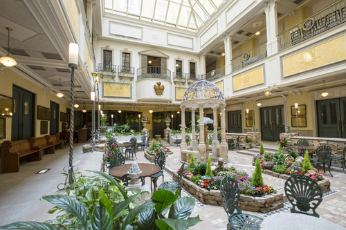 【ビジネス/レジャーに♪】〜素泊まり〜 Monterey Stay〜札幌駅より徒歩5分!キングズイエローに彩られるブリティッシュスタイルのホテル♪