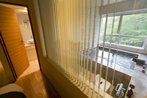 【スタンダード】50平米ジュニアスイートルームプラン《1泊2食》 〜 「源泉かけ流し」の展望風呂のある客室でおくつろぎ♪