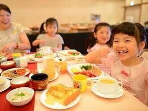 【お子様&赤ちゃん大歓迎】夕食は個室をご用意&カラオケ1時間利用付【ファミリー】【こども特典付】