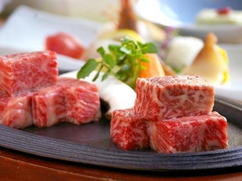 牛(ぎゅ)っといっぱい山形〜山形牛と米沢牛の食べくらべ♪あなたのお好みは?