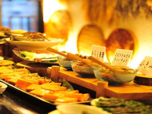 【一泊朝食】好評☆30種類以上手作り朝食ビュッフェ♪会津産こしひかりに新鮮野菜がタップリ♪一日の始まりは美味しい朝食から♪/展望風呂もご堪能下さい!