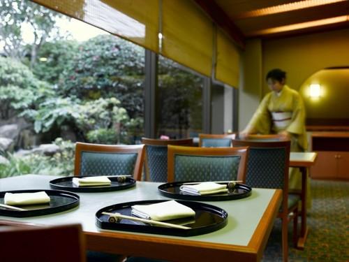 【1泊2食シリーズ】静寂な日本料理レストラン「歌留多」の会席料理