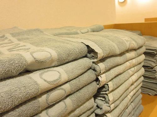 タオルなしで大浴場へ♪大浴場にはタオルを常備。