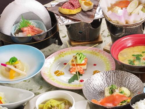 ◆お得だ値【1日3組限定】〜2名1室で1名様12000円!◆旬の和風会席料理【28の湯巡り堪能】