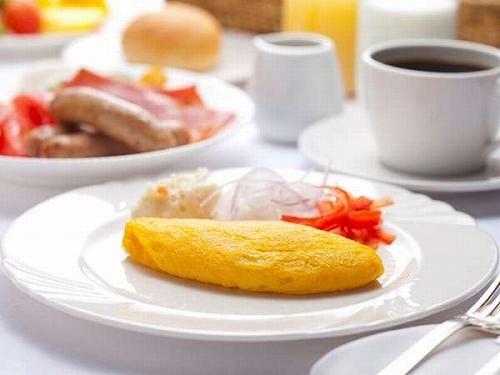 【直前予約】多彩な和洋バイキングと絶品オムレツ♪1泊朝食付プラン!