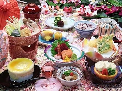 甲州名物ほうとう鍋! 駅近・源泉・貸切風呂(先着9組)&姉妹館湯めぐりも無料